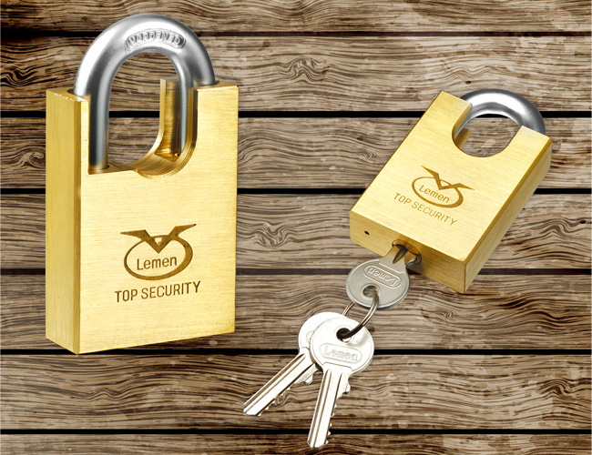 Square Type Beam-wrapped Brass Padlock